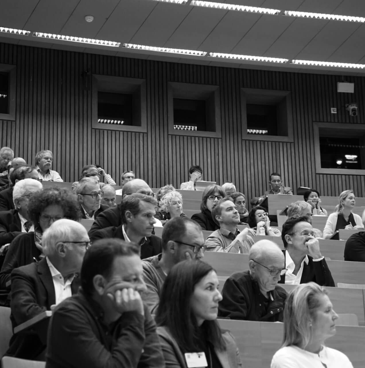 Publikum an einer AQC-Tagung